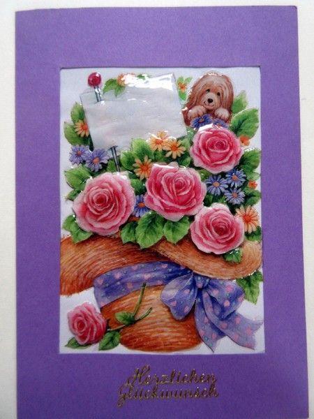 Lila Geburtstagskarte mit Blumenhut und Rosen